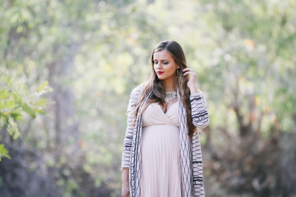 bond_girl_glam_irina_bond_maternity_fashion_pregnancy_style_pink_blush_maternity_long_cardigan_fall_pleated_dress7-1024x682